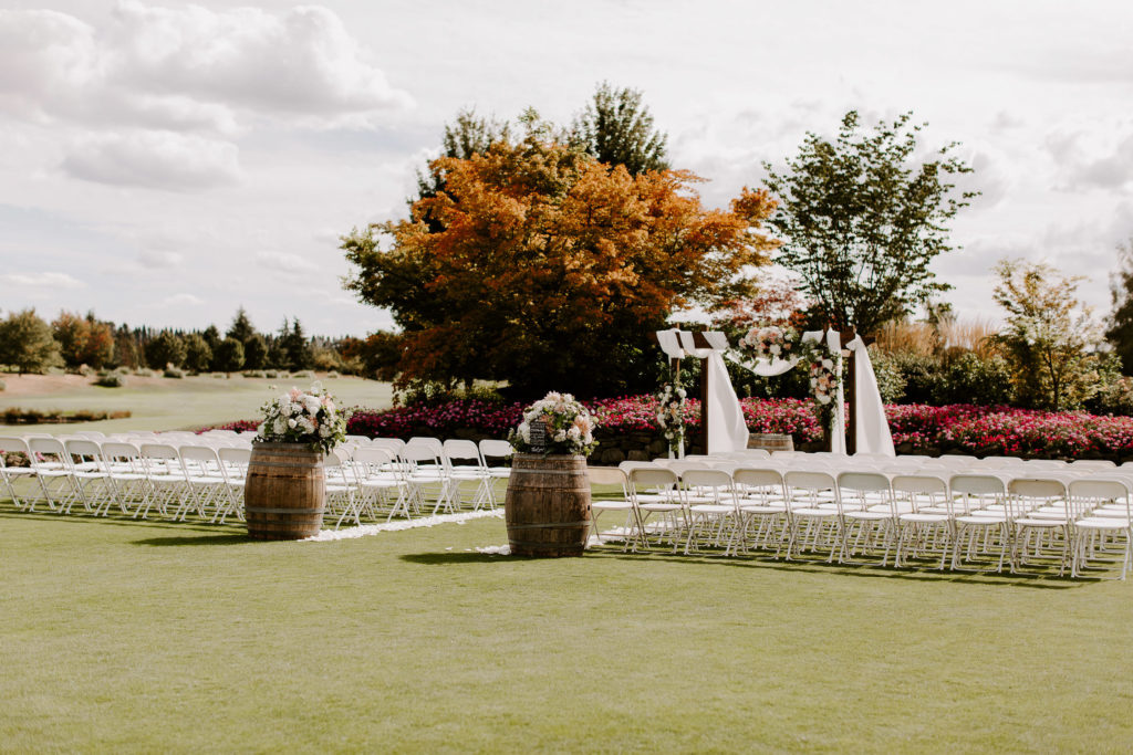 Boho-Wedding-Langdon-Farms-Wedding-Aurora-Oregon-LundynBridge-Photography-12