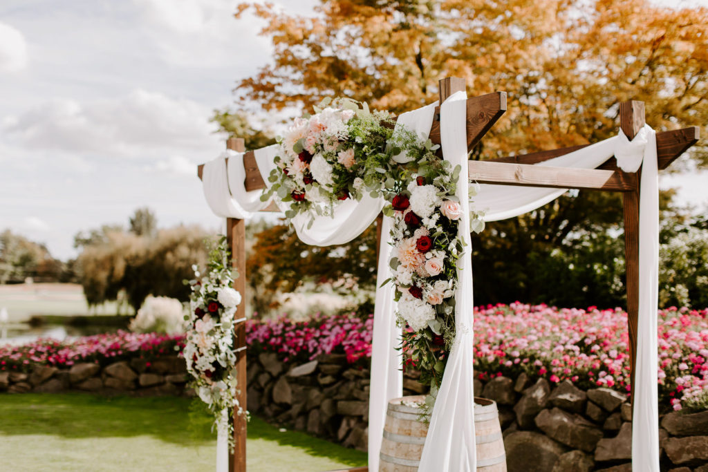 Boho-Wedding-Langdon-Farms-Wedding-Aurora-Oregon-LundynBridge-Photography-6