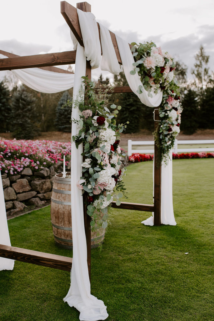 Boho-Wedding-Langdon-Farms-Wedding-Aurora-Oregon-LundynBridge-Photography-77