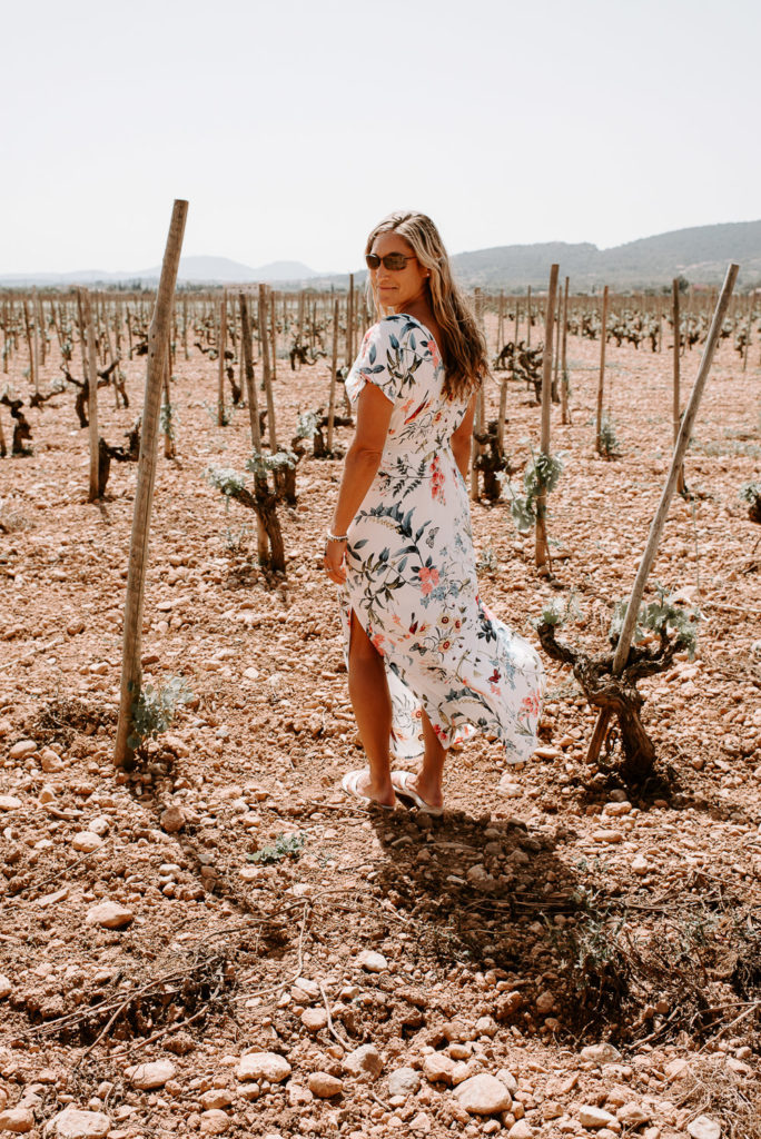 spain vineyard wine tasting mallorca deya spain elopement wedding-8-10